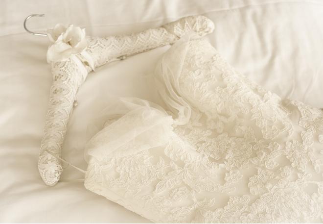 постирать свадебное платье