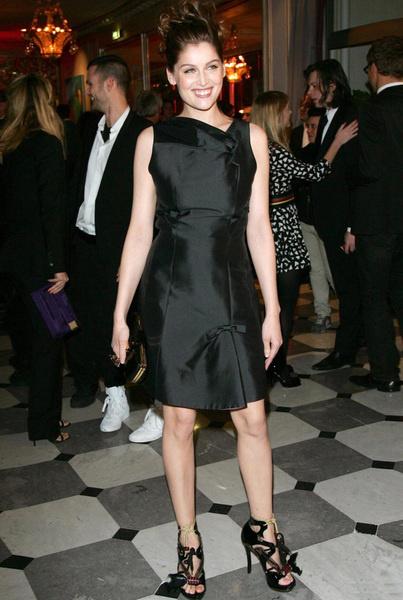 Литиция Каста в платье Louis Vuitton
