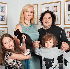 Игорь Саруханов показал свой загородный дом