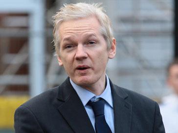 Джулиан Ассанж (Jullian Assange) снова предстанет в суде