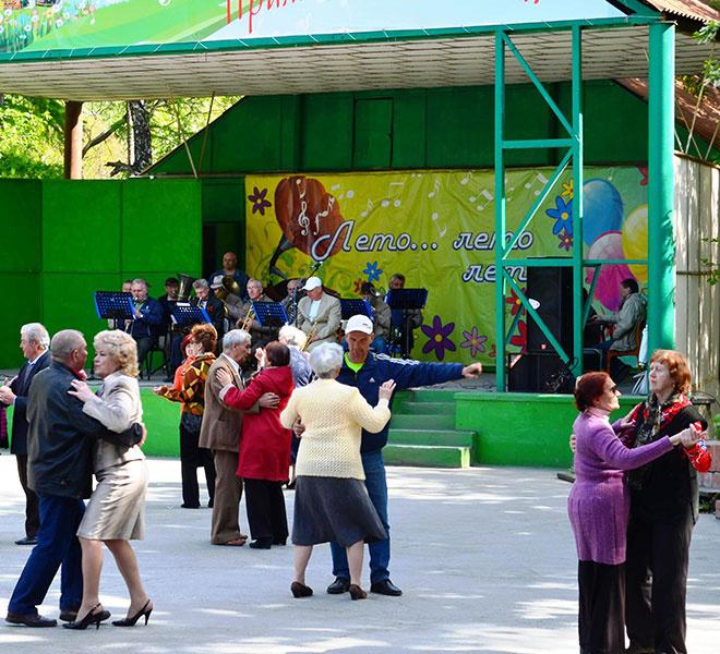 день России, танцы