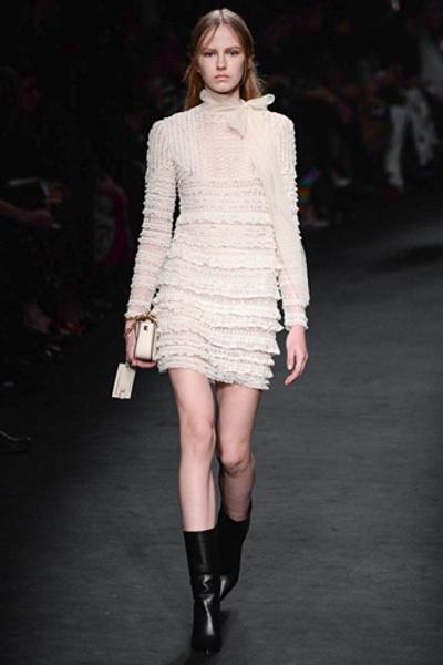 Неделя моды в Париже: показ Valentino ready-to-wear осень — зима 2015-2016 | галерея [1] фото [18]