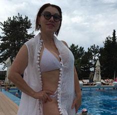Роза Сябитова похвасталась фигурой в бикини