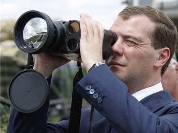 Дмитрий Медведев проинспектировал станцию «Охотный ряд»