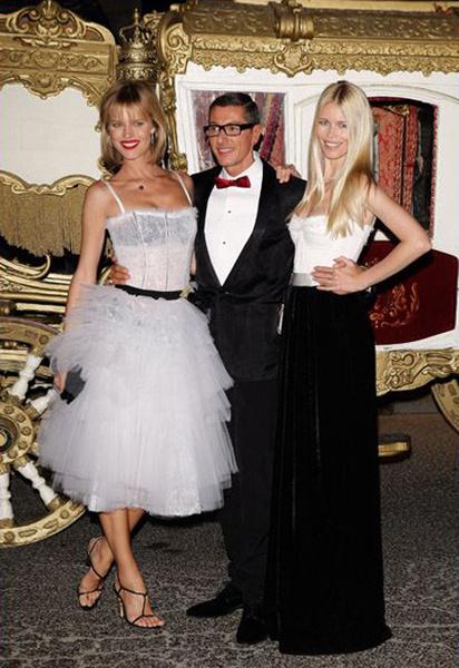 Стефано Габбана со своими любимыми моделями