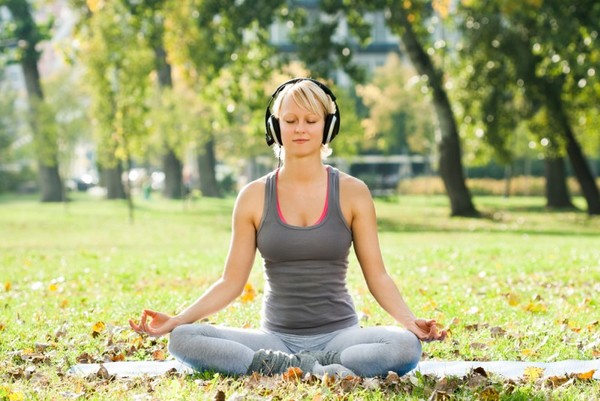 Как выбрать музыку для медитации и йоги