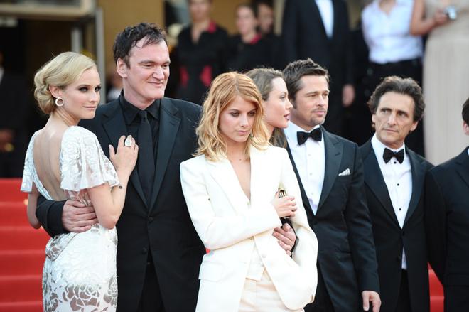 С Дианой Крюгер, Мелани Лоран, Анджелиной Джоли, Брэдом Питтом на премьере «Бесславных ублюдков».