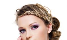Плетем косы на волосах средней длины