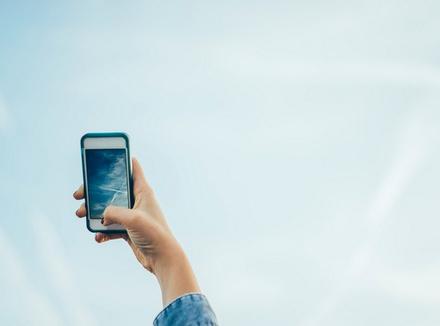 10 мобильных приложений, которые помогут избавиться от тревоги, бессонницы, депрессии и аэрофобии