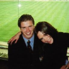 Одна из первых совместных фотографий Дэвида и Виктории (1997)