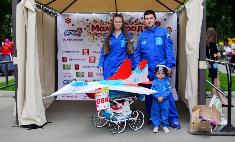 По следам «МамПарада»: выбирай лучшую кукольную коляску!