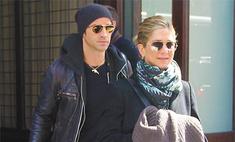 А нам все равно: что Дженнифер Энистон думает о помолвке Питта и Джоли?