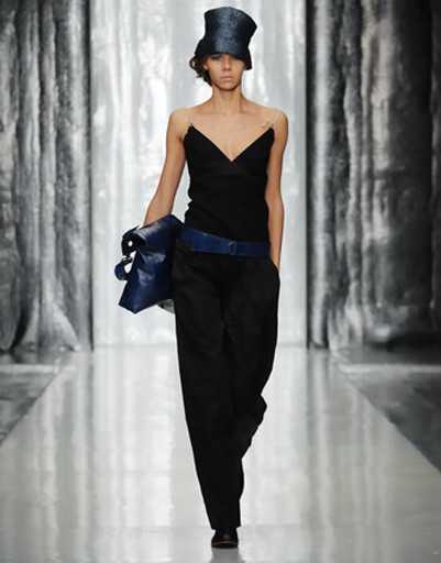 Mercedes-Benz Fashion Week: Юлия Николаева, весна-лето 2012