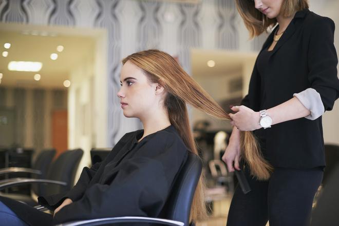 чем лучше обесцвечивать волосы