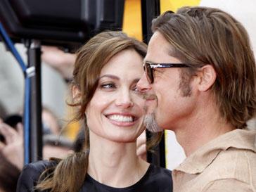 нджелина Джоли (Angelina Jolie) и Брэд Питт (Brad Pitt) побеседовали о проблемах мира с Бараком Обамой