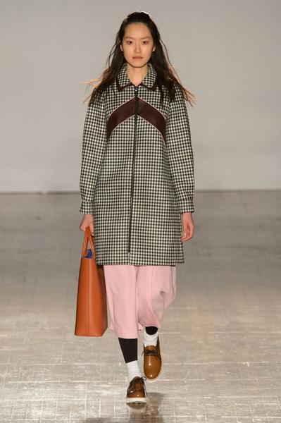 Неделя моды в Лондоне: 21 февраля | галерея [3] фото [2]
