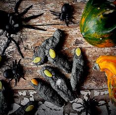 Гриссини Halloween vampire fingers