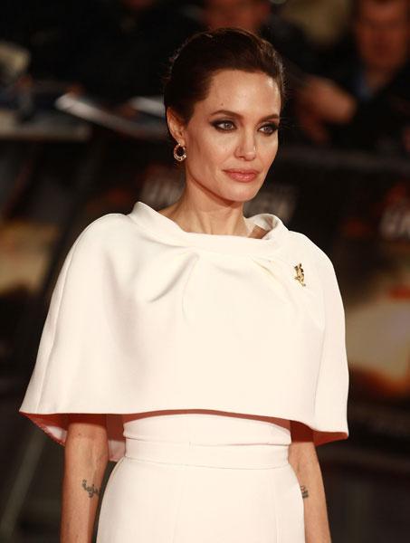 """Анджелина Джоли на премьере фильма """"Несломленный"""""""