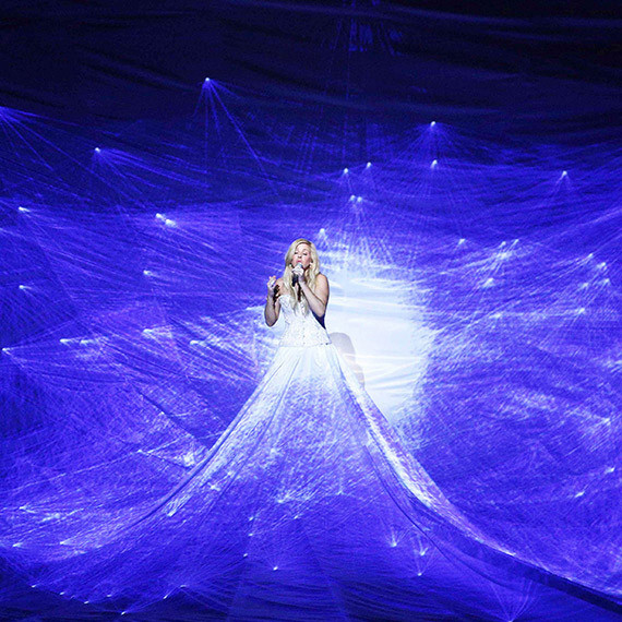 Певица Элли Голдинг платье фото