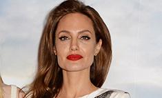 Анджелина Джоли надела «страшные» туфли