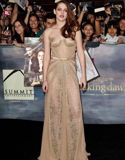 """Кристен Стюарт (Kristen Stewart) на премьере фильма """"Сумерки. Сага. Рассвет. Часть 2"""" в Лос-Анджелесе"""