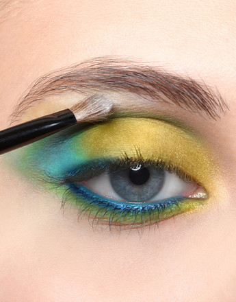 Макиияж глаз в желтых тонах