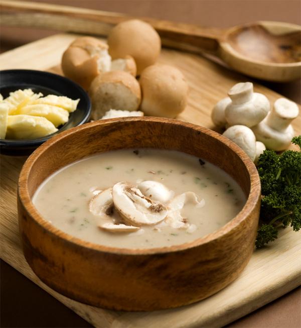Сырный суп с грибами и форелью