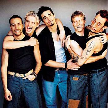 На сегодняшний день продажи альбомов группы в мире превысили 200 000 000 экземпляров!
