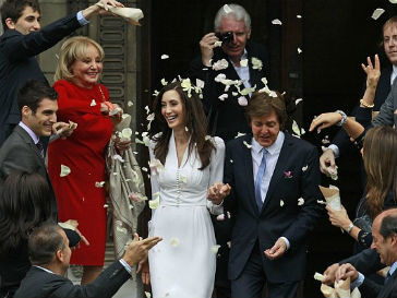 Свадебный наряд супруги Пола Маккартни (Paul McCartney) является копией платья Уоллис Симпсон