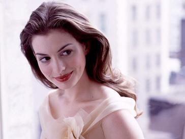 Энн Хэтэуэй (Anne Hathaway) болезненно восприняла критику