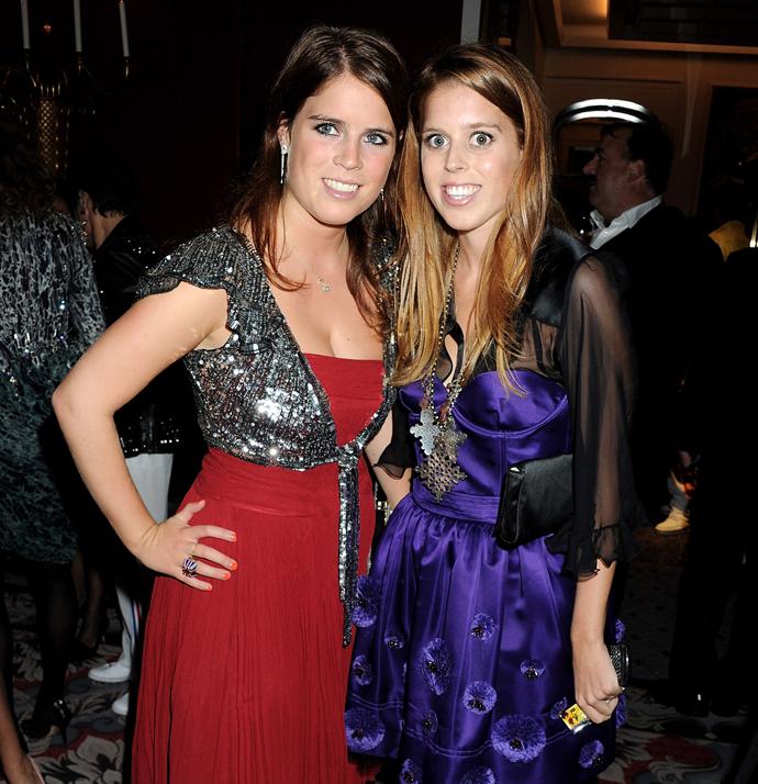 Принцессы Эжени и Беатрис фото