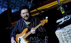 Бас-гитарист группы «Несчастный случай» накормит новосибирцев