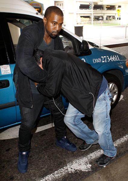 Канье Уэст (Kanye West) избил фотографа