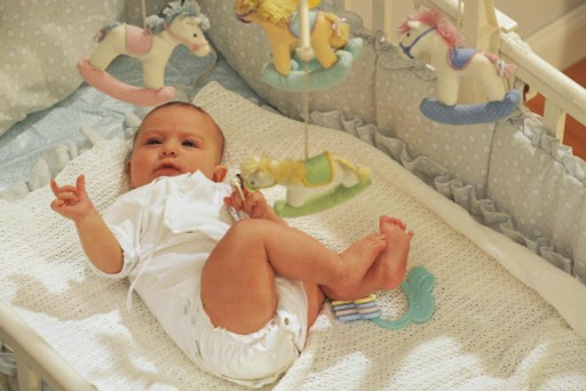 Новорожденные путают день с ночью что делать