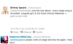 Мадонна флиртует с Бритни Спирс в своем Twitter