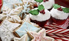 Сладкий Новый год: расписные пряники, торты, капкейки и макаруны