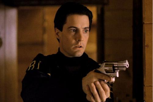 Кофеман, любитель женщин и ягодных пирогов – специальный агент ФБР Дейл Купер (Кайл Маклахлен).