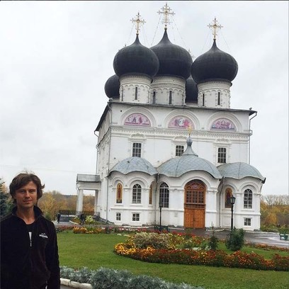 Артист посетил главную святыню города – Трифонов монастырь
