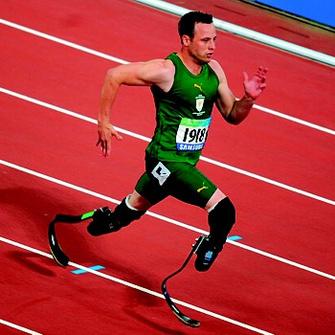 Оскар Писториус, 22 года, побеждал на Параолимпиаде на дистанциях 100, 200 и 400 м.