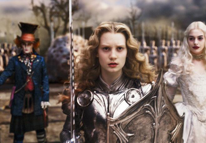 Типаж внешности Миа некоторые сравнивают с холодной красотой Николь Кидман, критики предполагают, что она неплохо бы сыграла Жанну д'Арк.