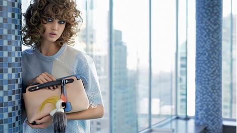 Карл Лагерфельд снял новую рекламную кампанию Fendi | галерея [1] фото [9]