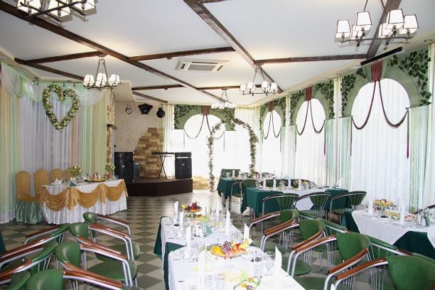 Ставрополь, кафе «Глория», банкетный зал «Изумрудный»