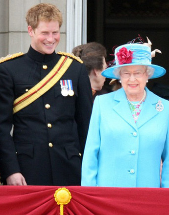 Принц Гарри (Prince Harry) и королева Елизавета II (Elizabeth II)