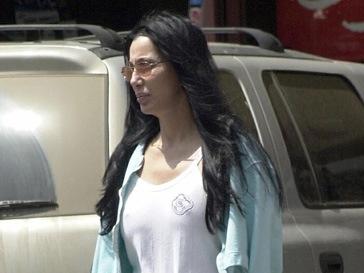 Шер (Cher) отложила гастроли из-за операции на лодыжке.