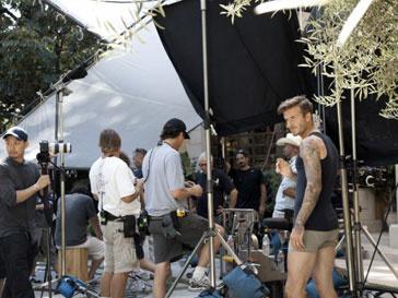 Дэвид Бекхэм (David Beckham) на съемках реклпамного ролика H&M режиссера Гая Ричи