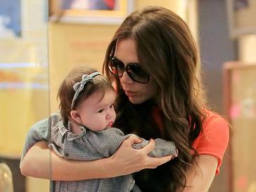 Виктория Бекхэм обожает покупать одежду для своей дочери