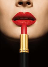 Revlon запустил глобальную рекламную кампанию «Love Is On»