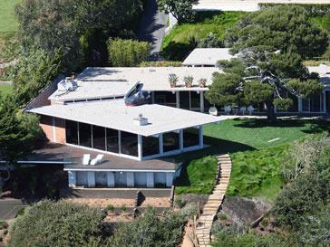 Анджелина Джоли (Angelina Jolie) и Брэд Питт (Brad Pitt) решили продать один из своих домов