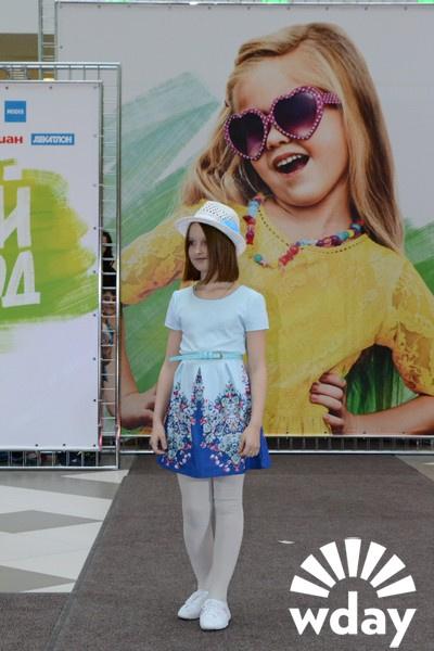Модная детская одежда, детская мода фото