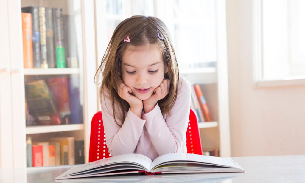 Что почитать с ребенком: 7 книг, с которыми карантин пролетит незаметно
